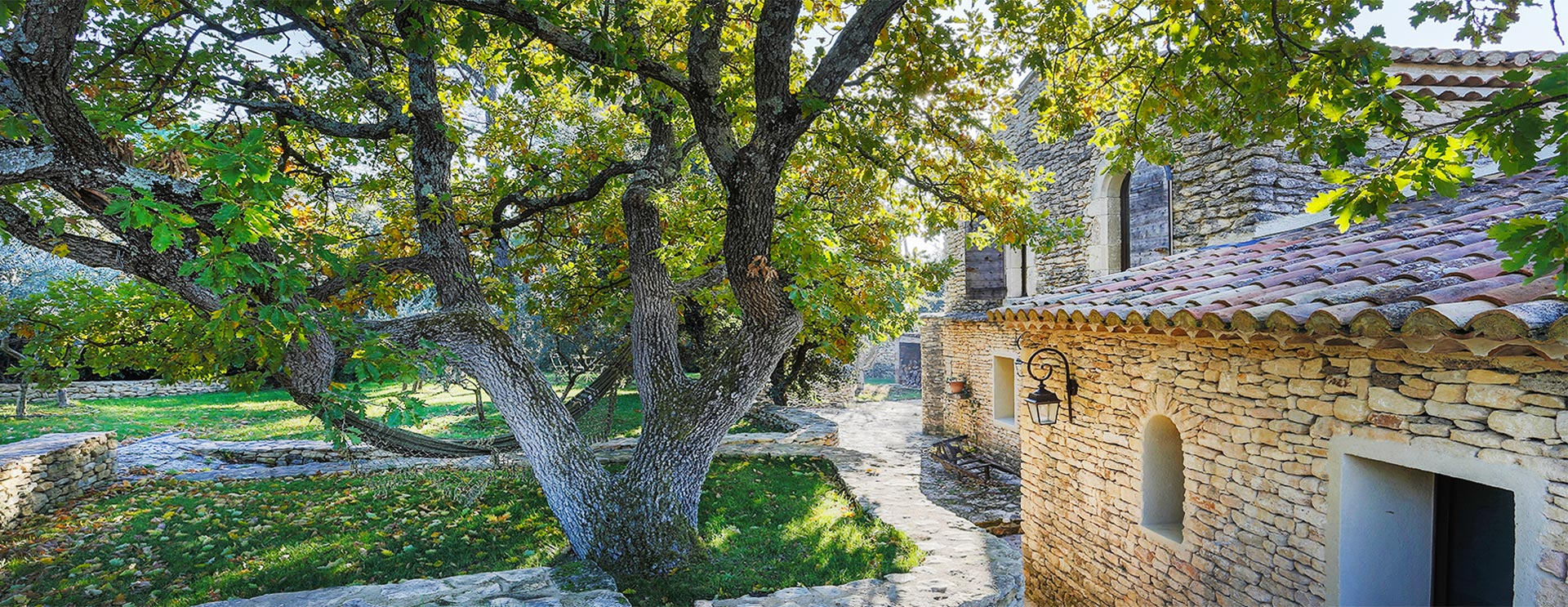 Real Estate in Provence, in the Alpilles and Luberon.